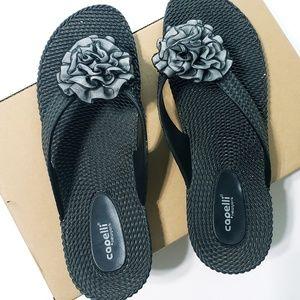 Capelli  Size 10 Flip Flops in Black